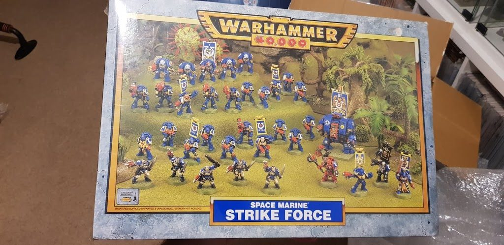 Warhammer 40,000 Space Marine Strike Force Ultra Marines - Front